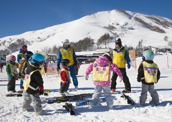 スポンジ・ボブキッズスクール予約開始 ::  車山高原スキー場 公式ホームページ